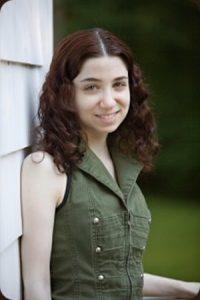 Hannah Kaminsky vegan photographer for Vegan Business Talk with Katrina Fox of Vegan Business Media
